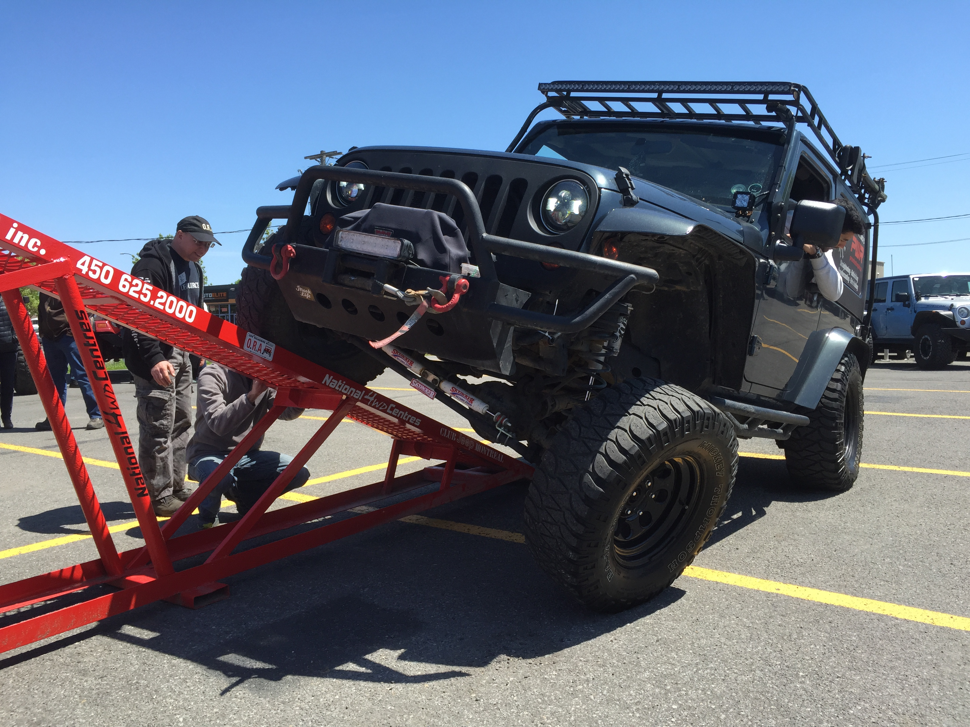 Des Sources Chrysler >> Jeep Show Shine At Des Sources Chrysler Ora 4 4